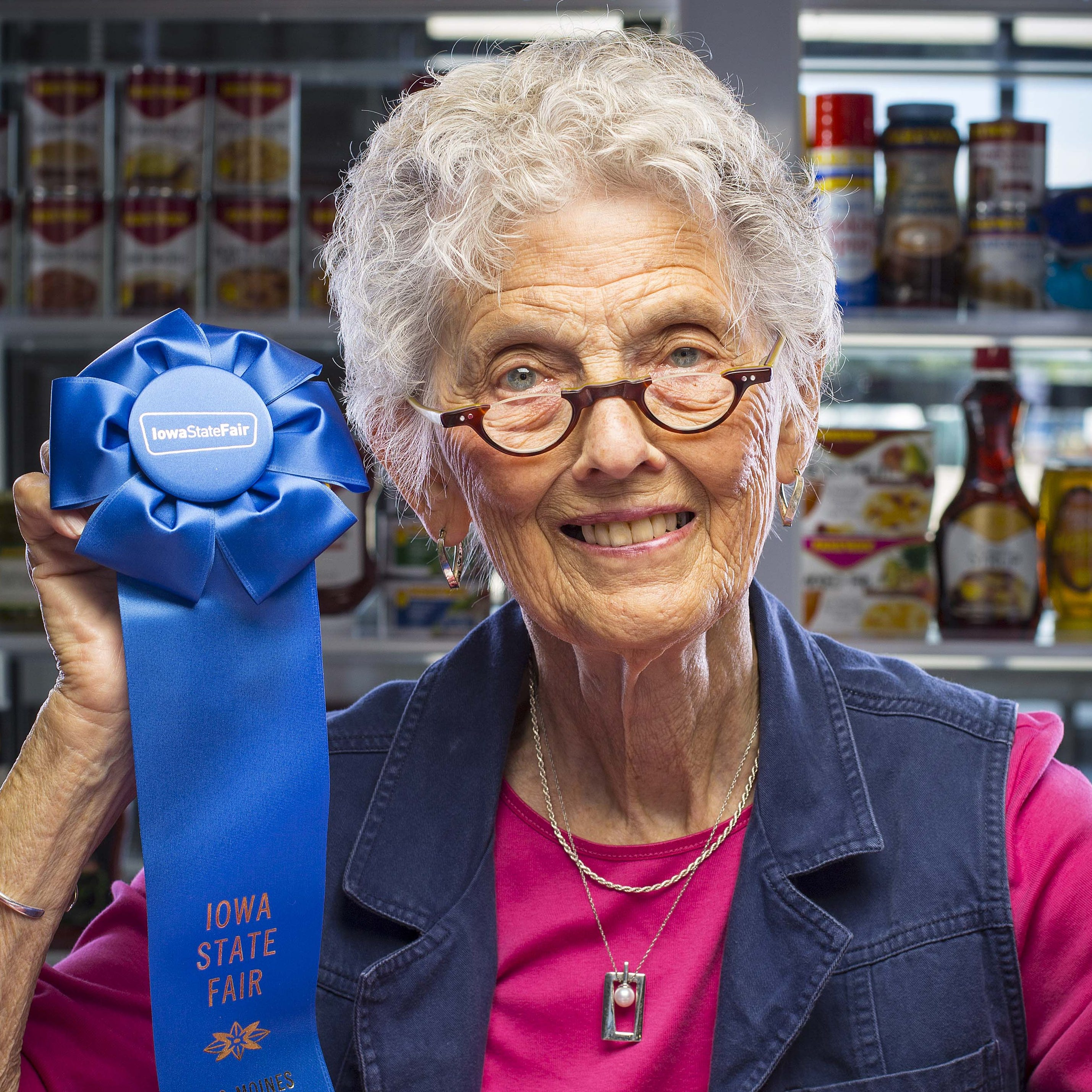 Saying goodbye to 'the fair lady': Arlette Hollister devoted her life to Iowa's blue-ribbon bakers