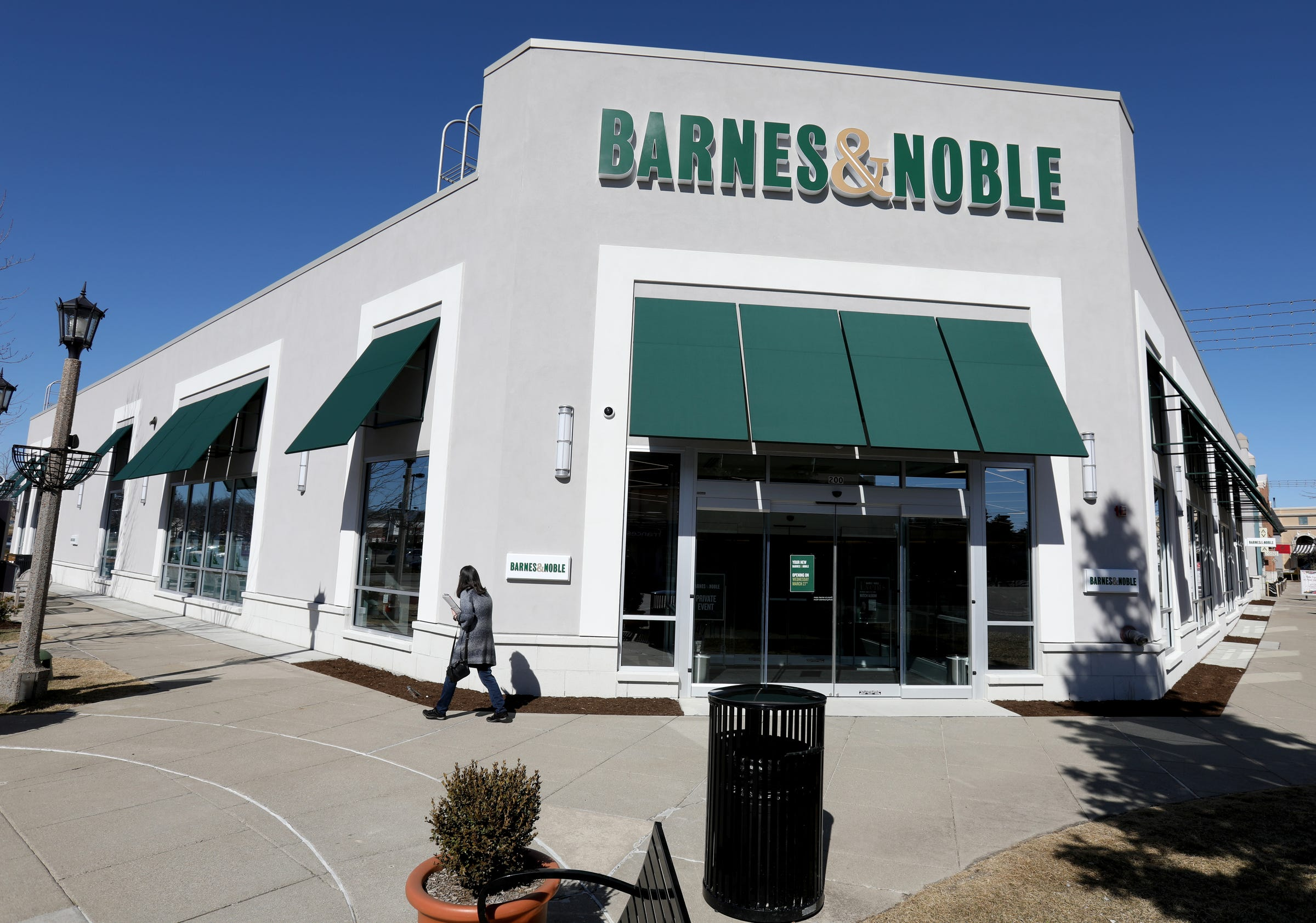 barnes \u0026 noble to open prototype bookstore in rochester hills