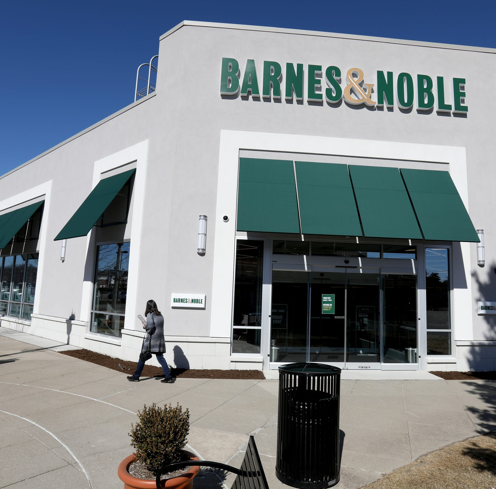 Barnes & Noble about to open first of its kind store in Michigan