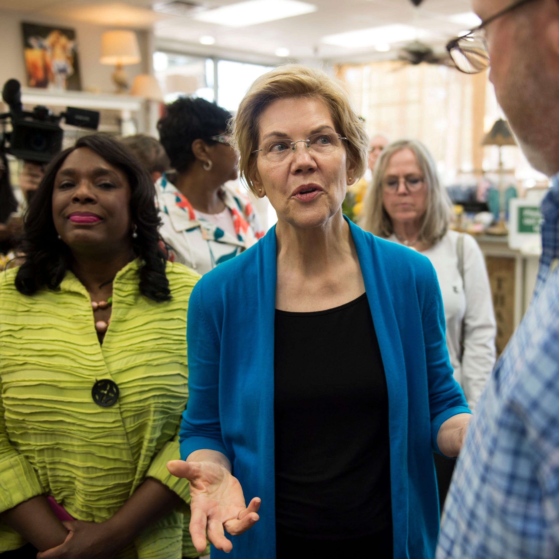 Opinion: Warren's plan doesn't address roots of student loan debt