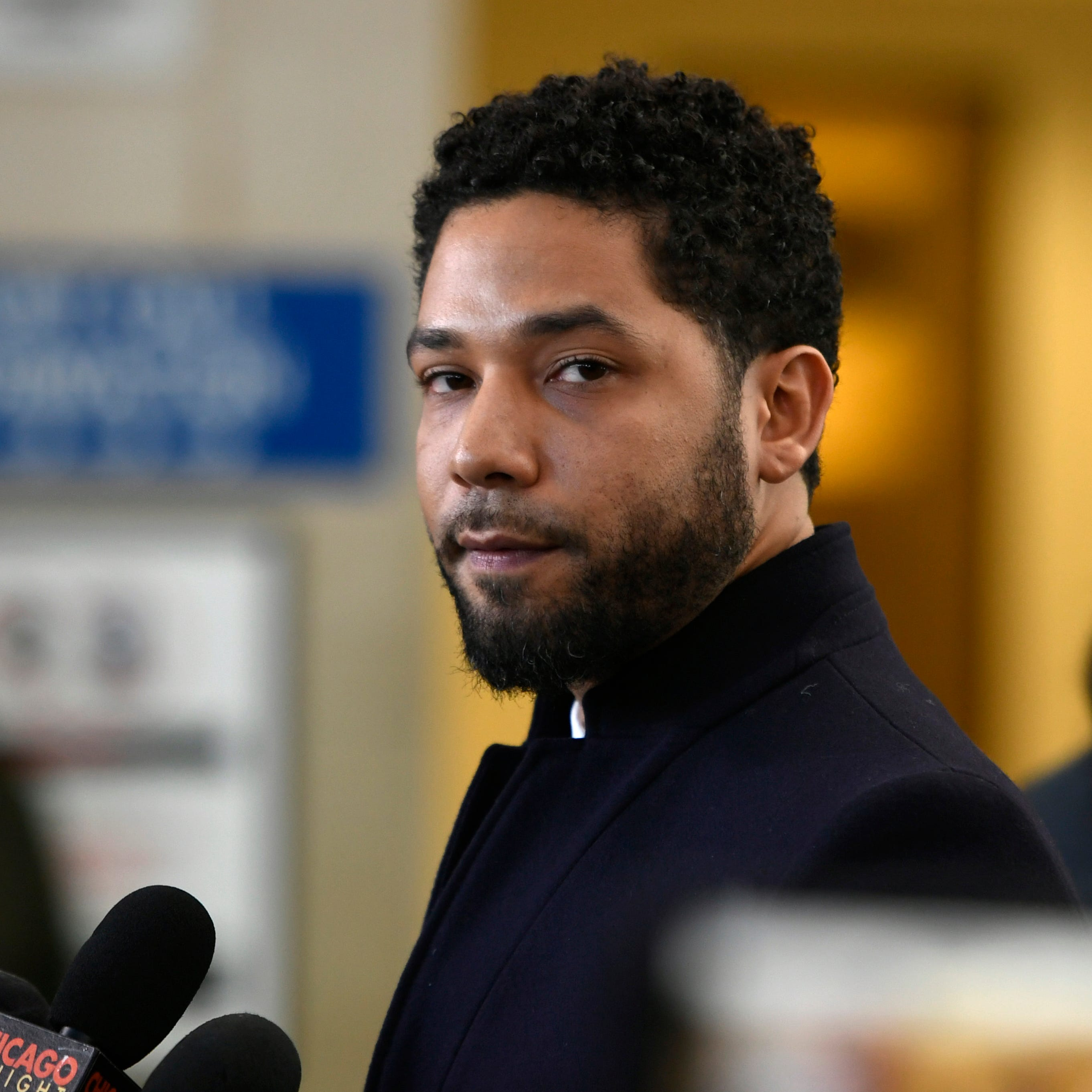 Prosecutors abandon criminal case against Jussie Smollett