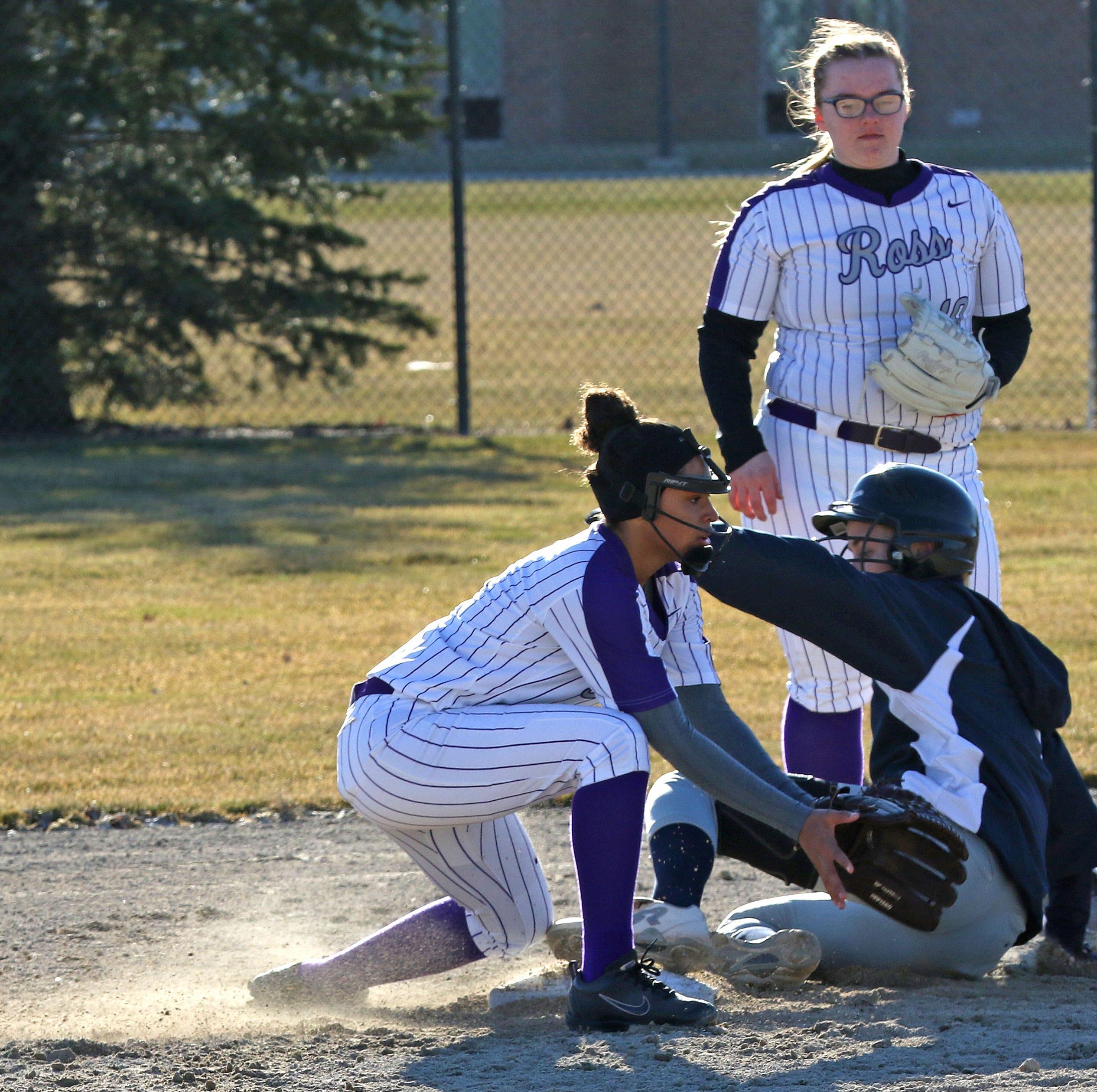 Roundup: Ross softball falls to Columbian