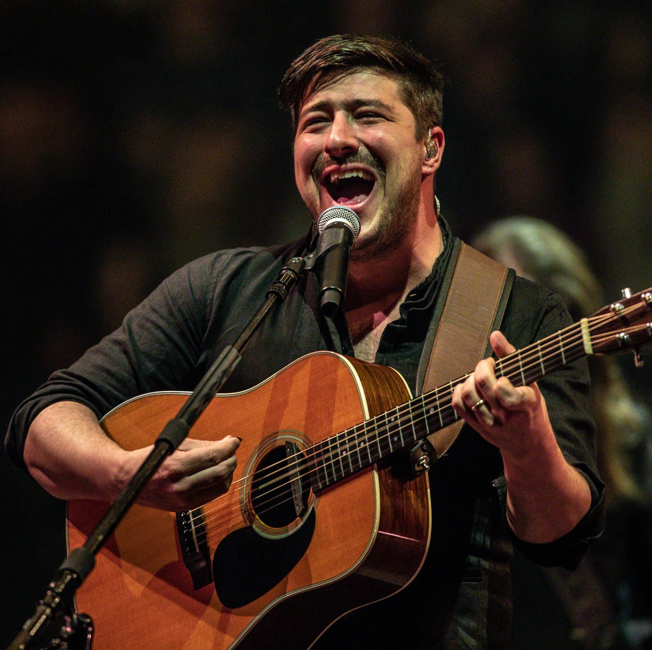 Mumford & Sons are unifying force during Bankers Life Fieldhouse show