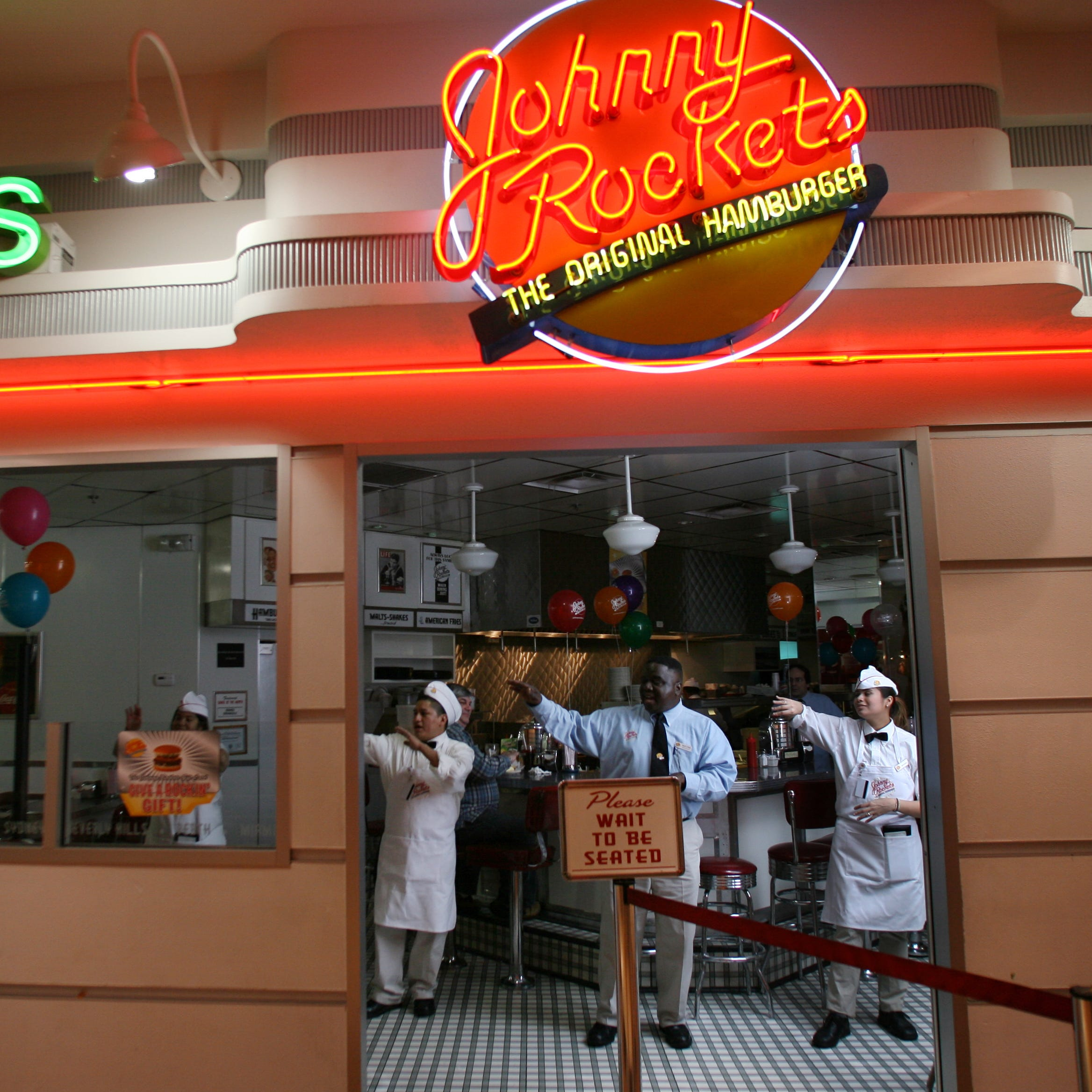 Johnny Rockets in Garden State Plaza closes