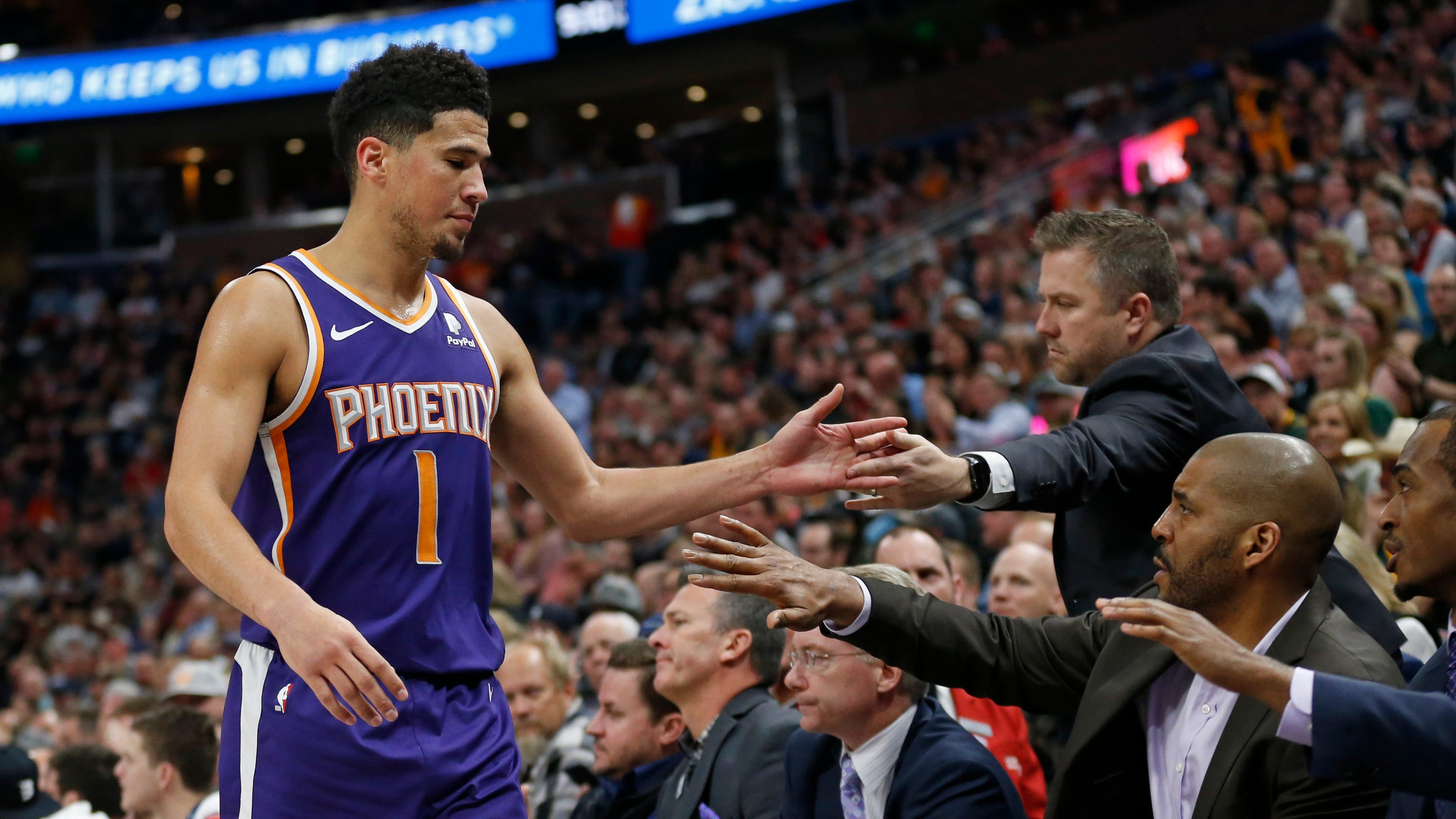 85fde865704 Who made decision for Devin Booker to go for 60 in blowout loss at Utah
