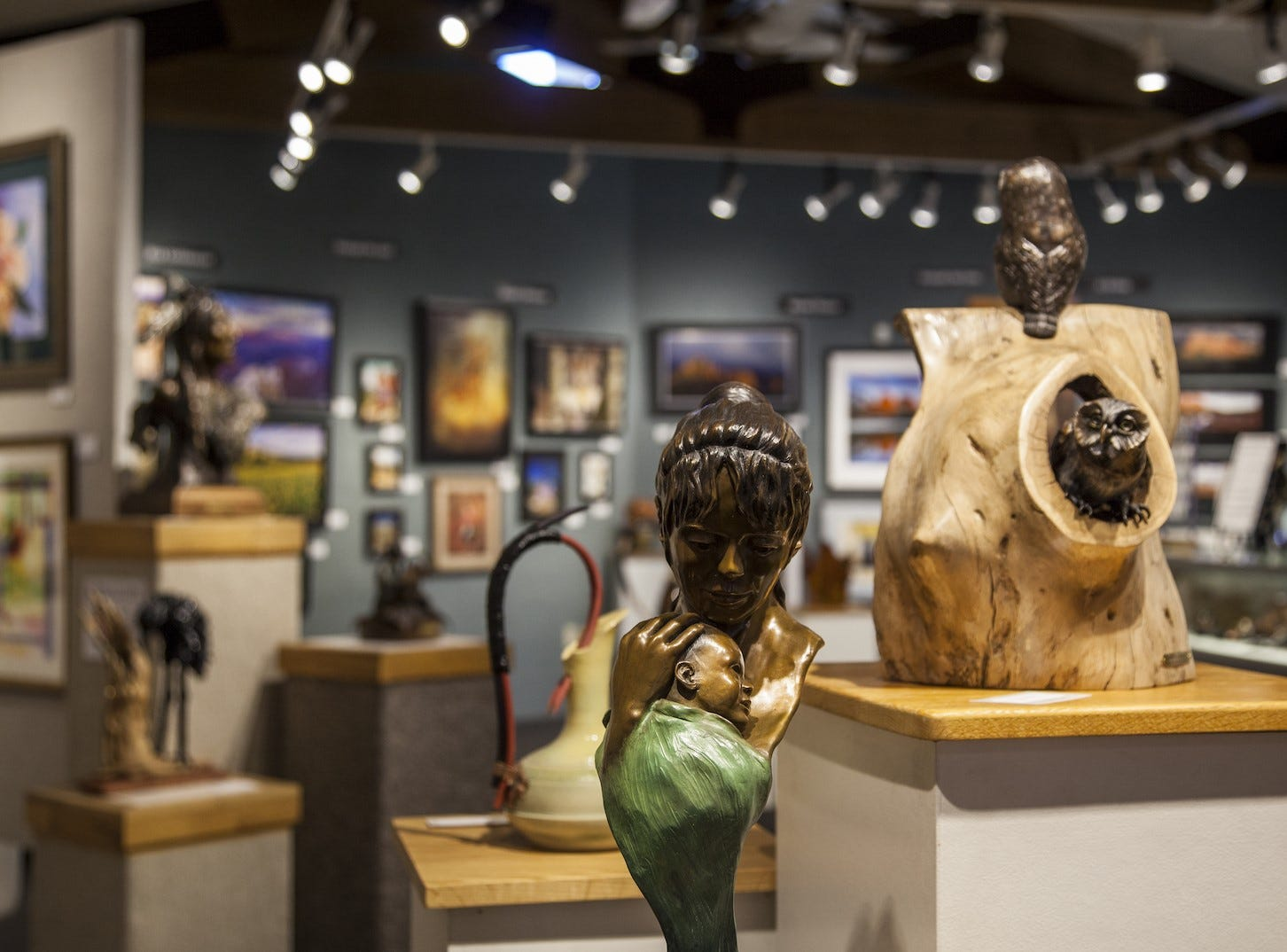 Every first Friday of the month, Sedona's prominent art galleries host an evening of openings, demonstrations and receptions.