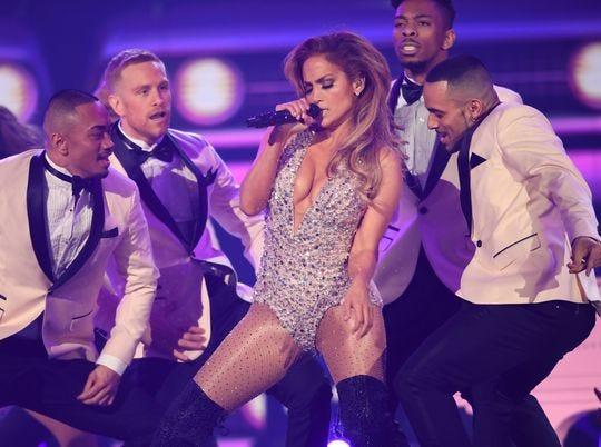 Jennifer Lopez se presentó en la 61ª entrega anual de los Premios Grammy el 10 de febrero de 2019 en Los Ángeles.