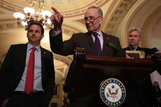 Chuck Schumer, líder de la minoría demócrata en el senado.