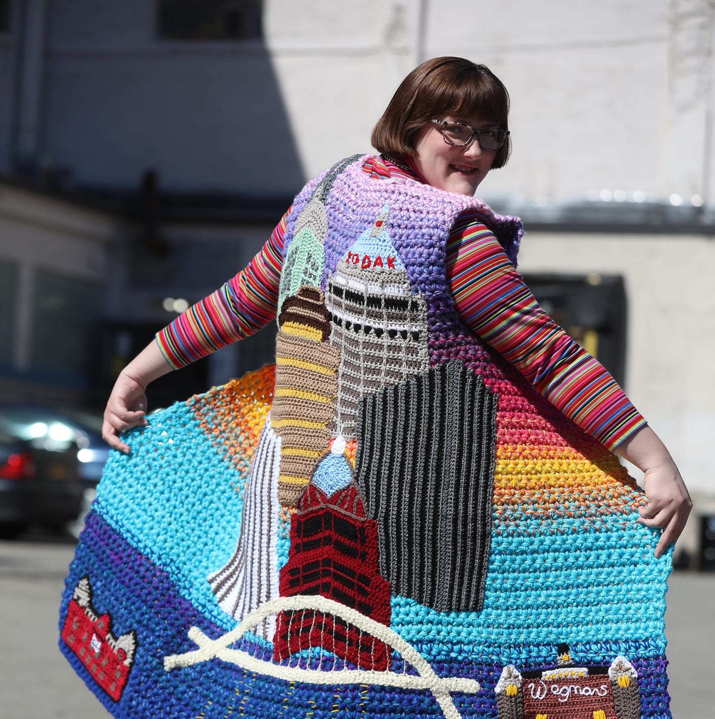 Crochet artist pays tribute to Rochester with garment she created