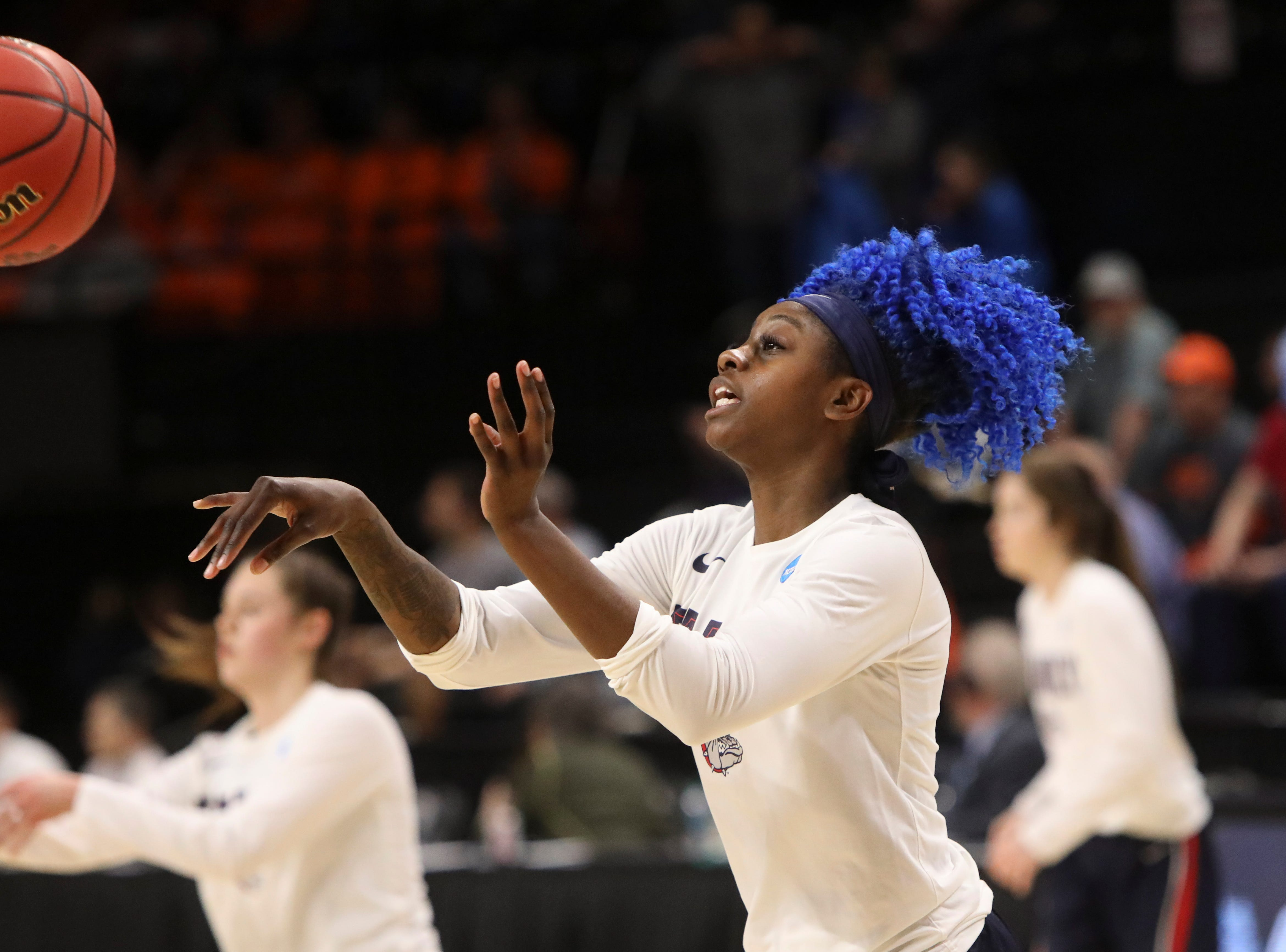 Gonzaga's Zykera Rice (00) warms up prior to the start of a second-round game of the NCAA women's college basketball tournament against Oregon State in Corvallis, Ore., Monday, March 25, 2019. Oregon State won 76-70 (AP Photo/Amanda Loman)