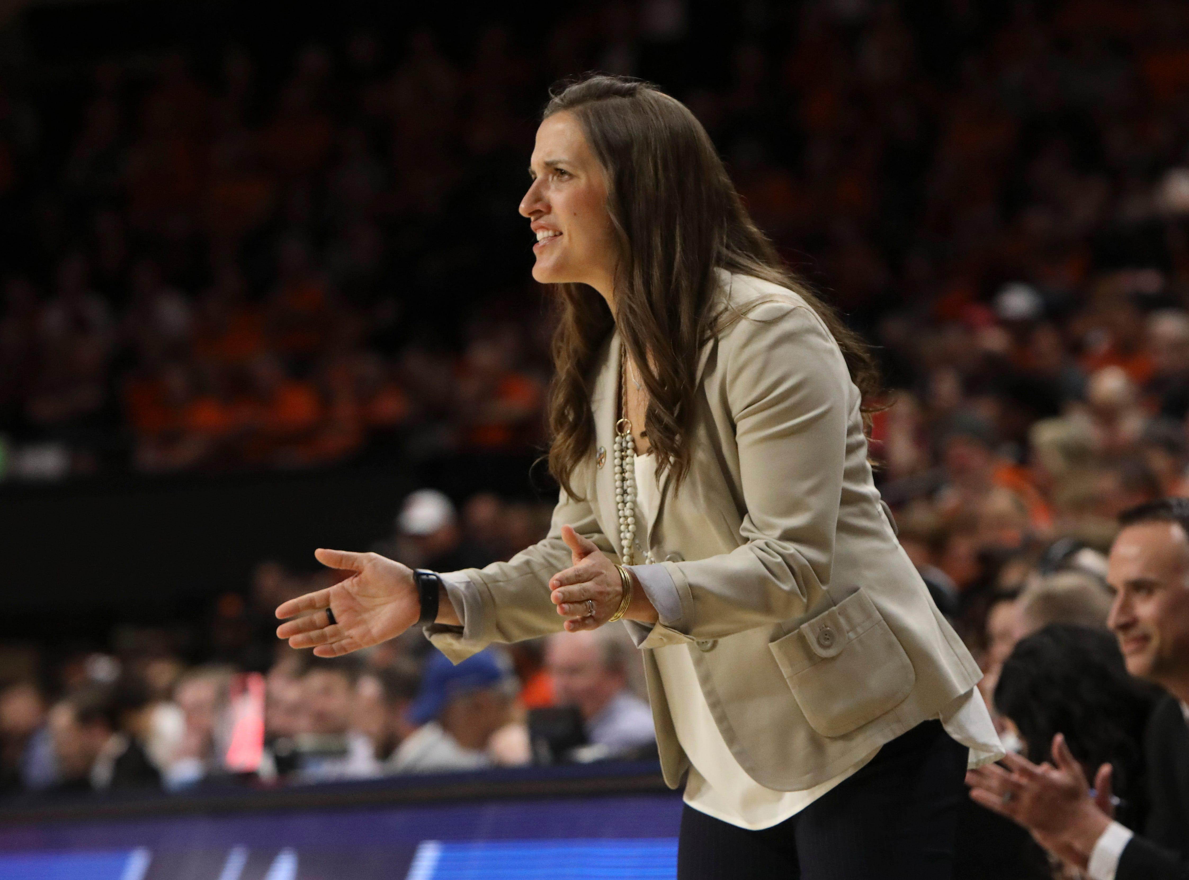 Gonzaga head coach Lisa Fortier calls out to players during the first half of a second-round game of the NCAA women's college basketball tournament against Oregon State in Corvallis, Ore., Monday, March 25, 2019. Oregon State won 76-70 (AP Photo/Amanda Loman)