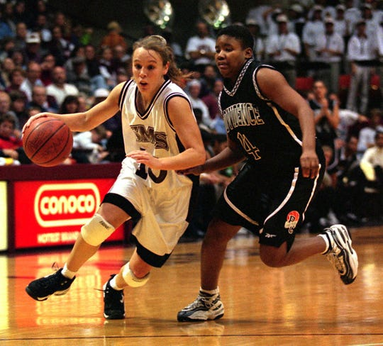Jackie Stiles was the star of the show in 2001, averaging more than 30 points per game on her way to becoming the all-time leading scorer in NCAA history.