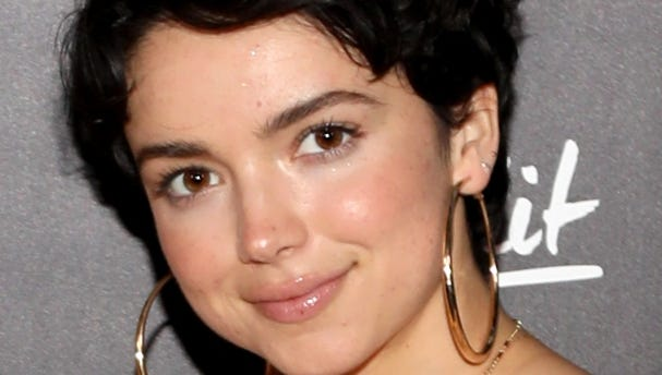 Bekah Martinez shows hairy arm pits and tells mom shamers EXPLICITLY what to do