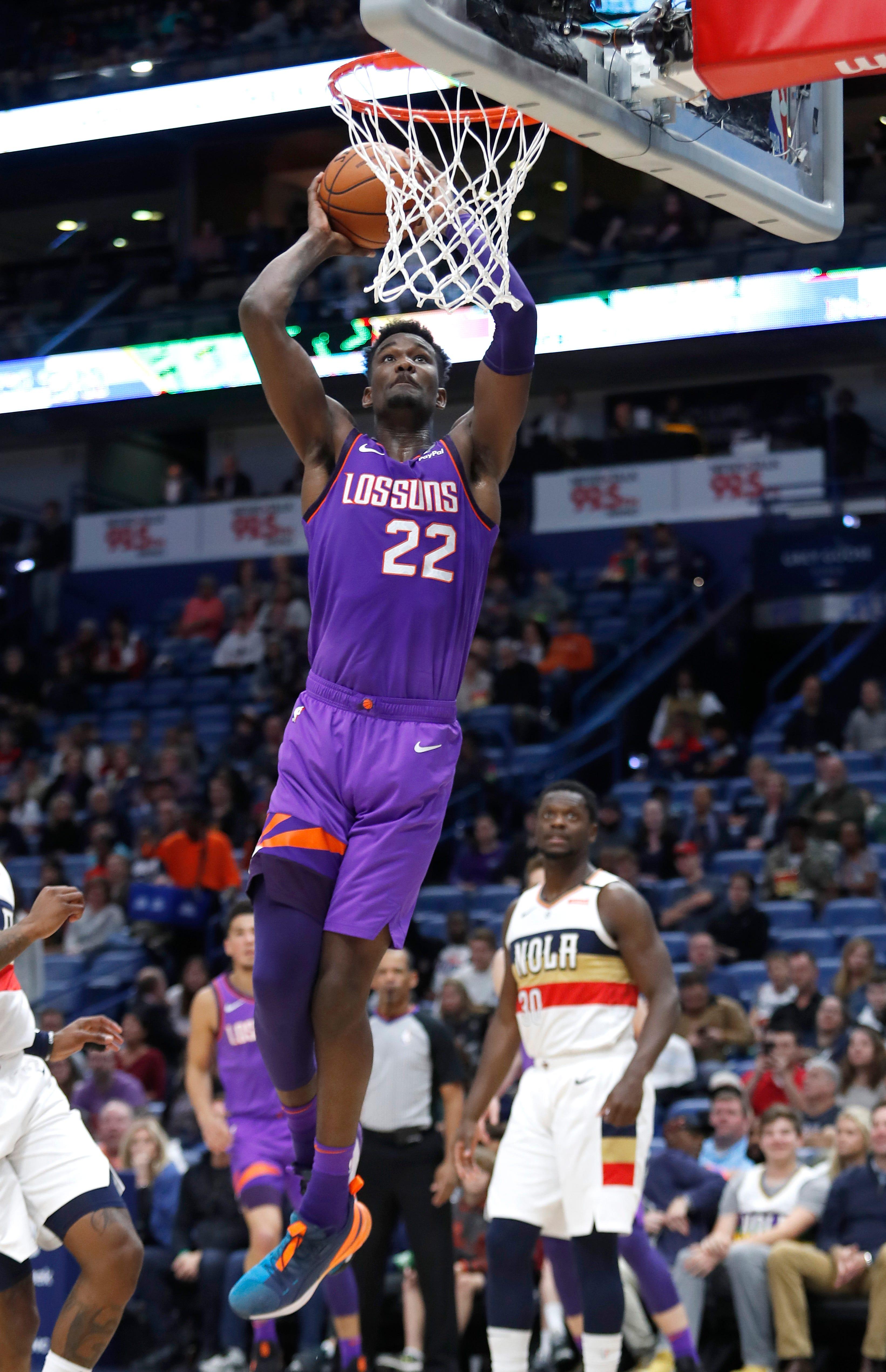 Phoenix Suns center Deandre Ayton