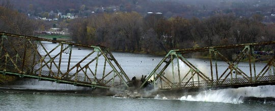 The Rockbottom Bridge is demolished in November 2001.