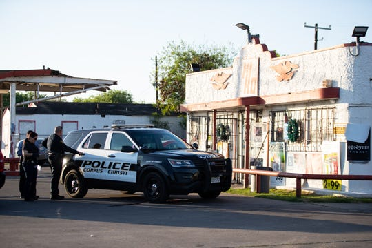 Corpus Christi police outside the Hi Ho convenience store on Baldwin Boulevard after it was robed on Tuesday afternoon. An officer-involved shooting accord as police looked for the suspects in the 200 block of Torreon Street on Tuesday, March 26, 2019.