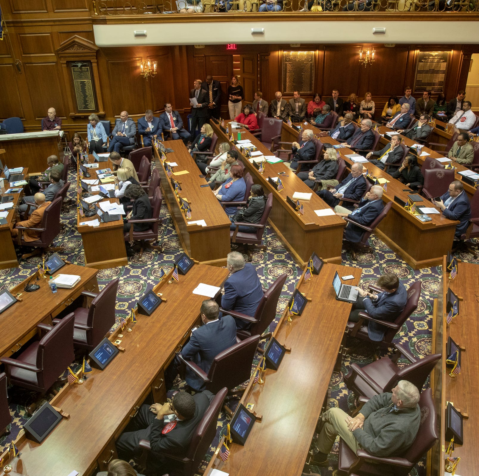 Indiana 'loan shark' bill backed by payday and subprime lenders advances to House floor