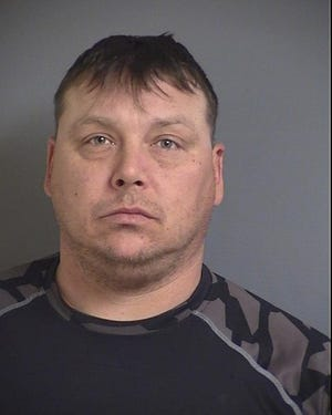 PHILLIPS, IAN MICHAEL, 40 / THEFT 5TH DEGREE - 1978 (SMMS) / CARRYING WEAPONS - 1989 (SRMS) / CARRYING WEAPONS - 1978 (AGMS) / OPERATING WHILE UNDER THE INFLUENCE 1ST OFFENSE