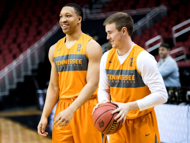 Tennessee Vols basketball practice at the NCAA Tournament in ...