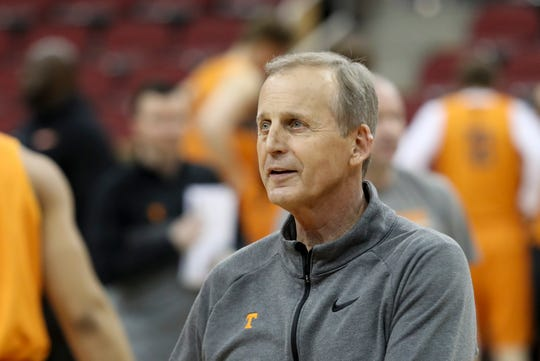 Tennessee's coach Rick Barnes runs practice on March 27 at the KFC Yum Center in Louisville, Ky.