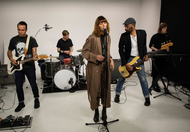 The band Rose of the West plays in the Milwaukee Journal Sentinel studios. L to R: Thomas Gilbert, Dave Power, Gina Barrington, Cedric LeMoyne, Erin Wolf.