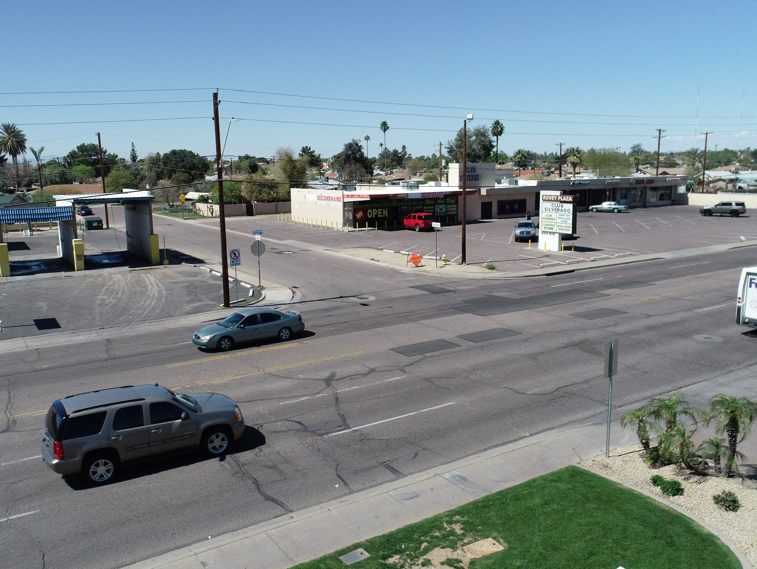 A drone view shows traffic on 27th Avenue north of Bethany Home Road in Phoenix on March 18, 2019.