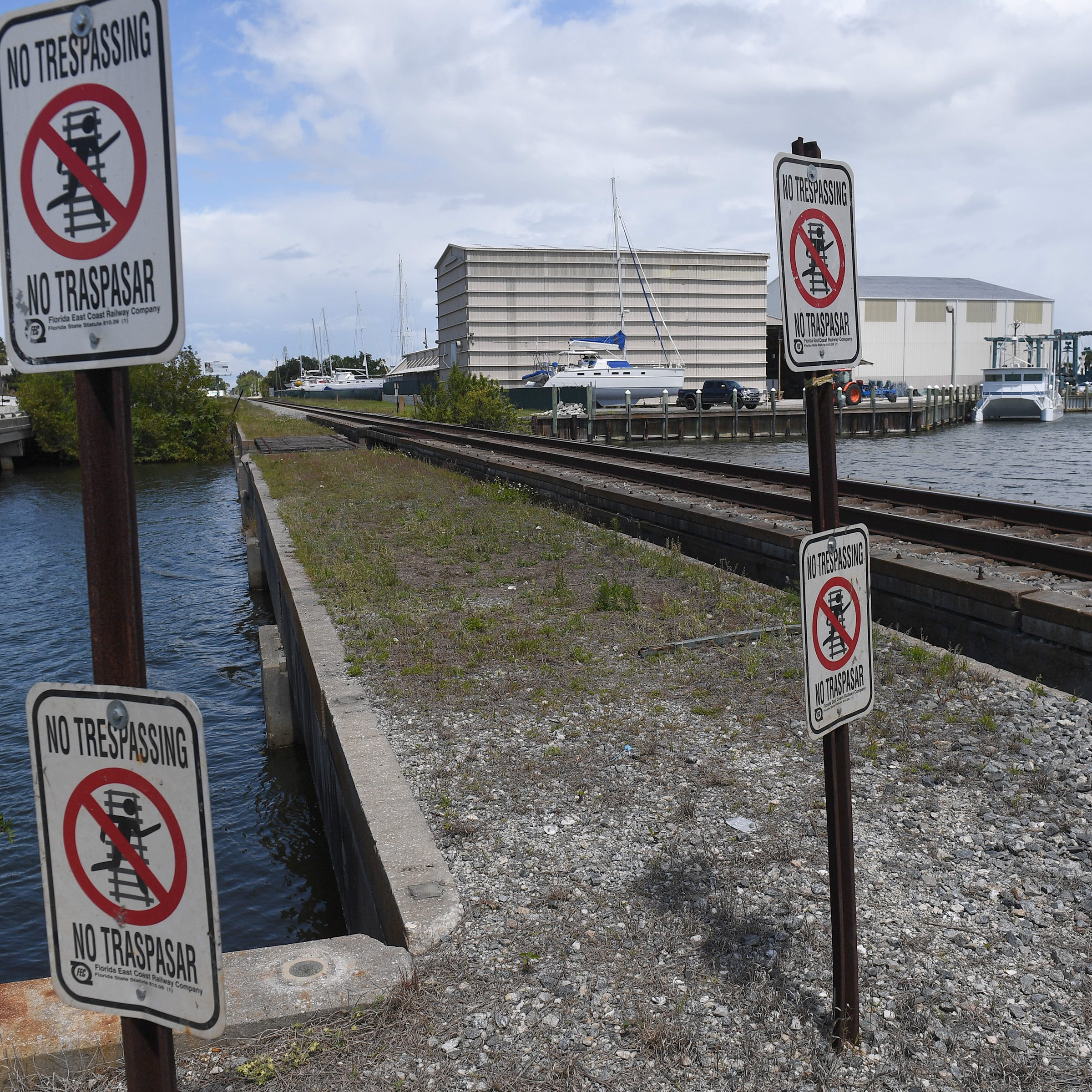 Fort Pierce man fatally struck by train was fishing with fiancee on her birthday