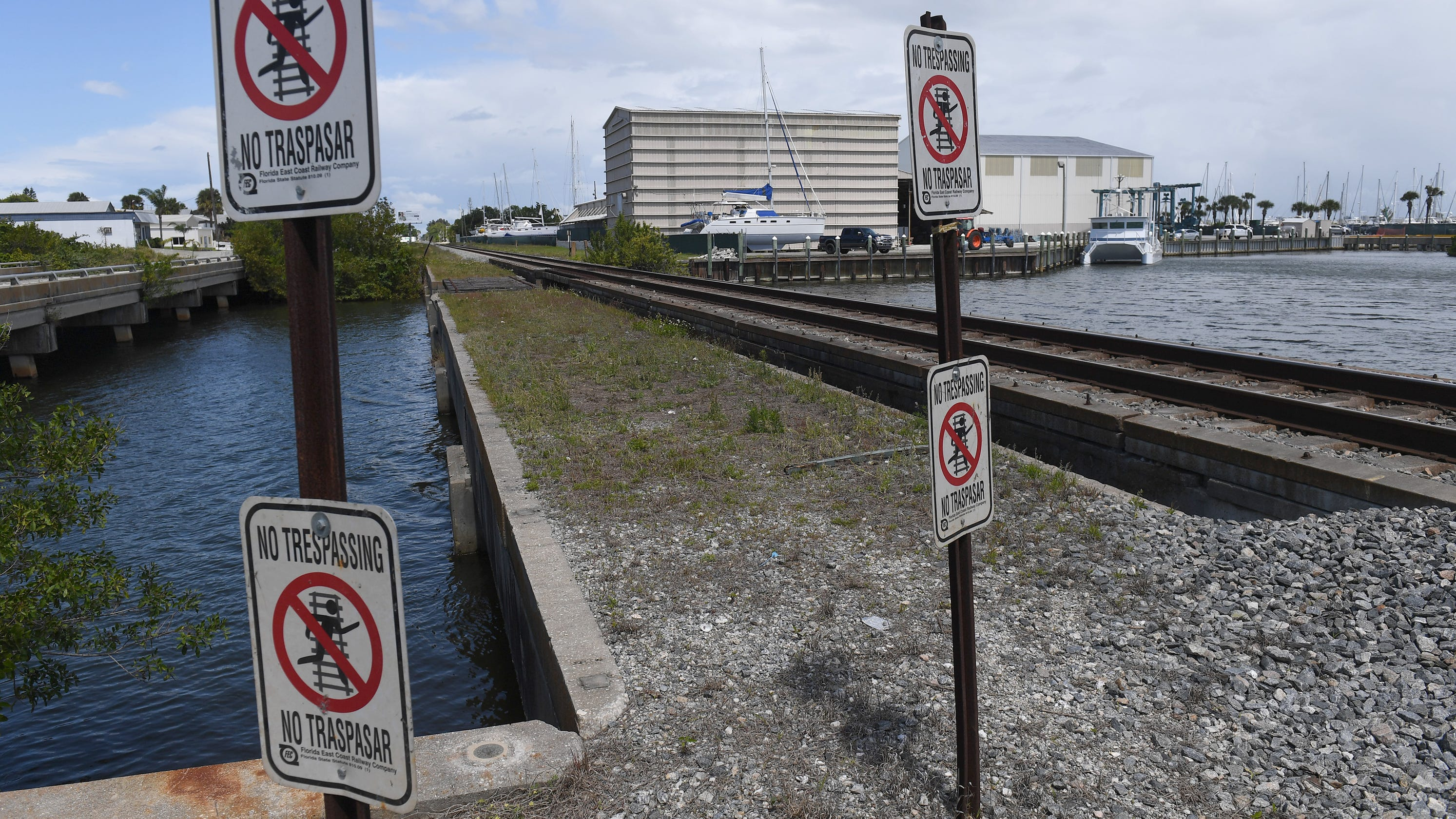 Fort Pierce man killed by train was fishing on bridge with