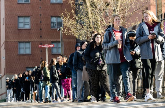A line of mostly students wait to enter a vaccination clinic amid a mumps outbreak on the Temple University campus in Philadelphia, Wednesday, March 27, 2019. (AP Photo/Matt Rourke) ORG XMIT: PAMR102
