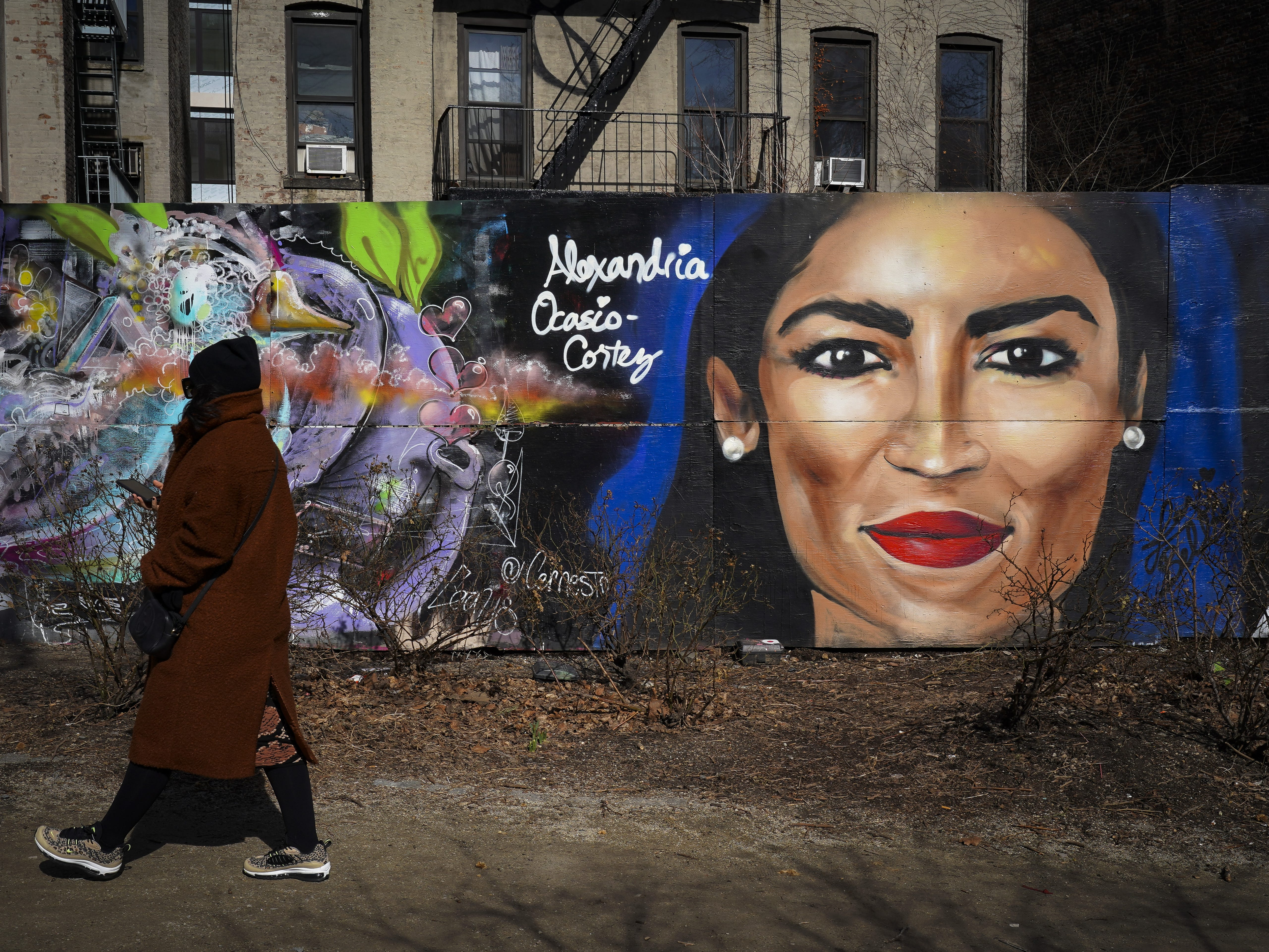 NEW YORK, NY - FEBRUARY 19: A mural depicting the face of Rep. Alexandria Ocasio-Cortez (D-NY) is displayed on a wall in the Lower East Side neighborhood of Manhattan, February 19, 2019 in New York City. Street artist Lexi Bella painted the mural of the young New York Congresswoman, who represents portions of The Bronx and Queens. (Photo by Drew Angerer/Getty Images) ORG XMIT: 775301581 ORIG FILE ID: 1125889985