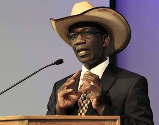 """Texas Pete"" Ondeng speaks about his post-Hardin-Simmons work in Africa during his acceptance speech March 22 at HSU's Hall of Leaders luncheon."
