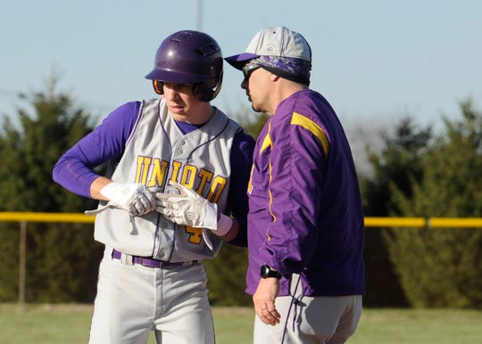 Unioto defeated Hillsboro 3-2 Wednesday night at Unioto High School.