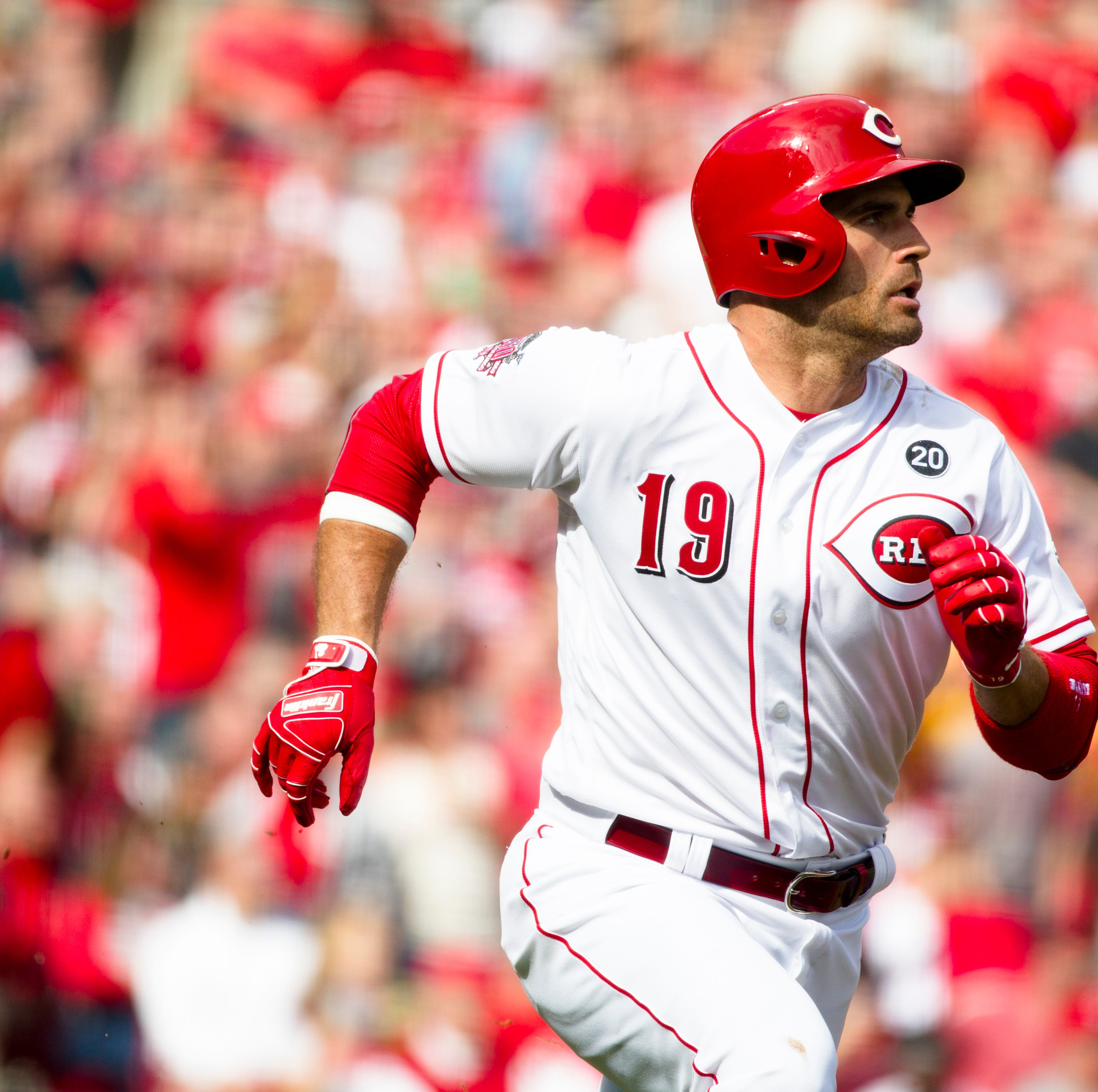 Joey Votto wears 'Decline Phase' T-shirt during Cincinnati Reds' workout