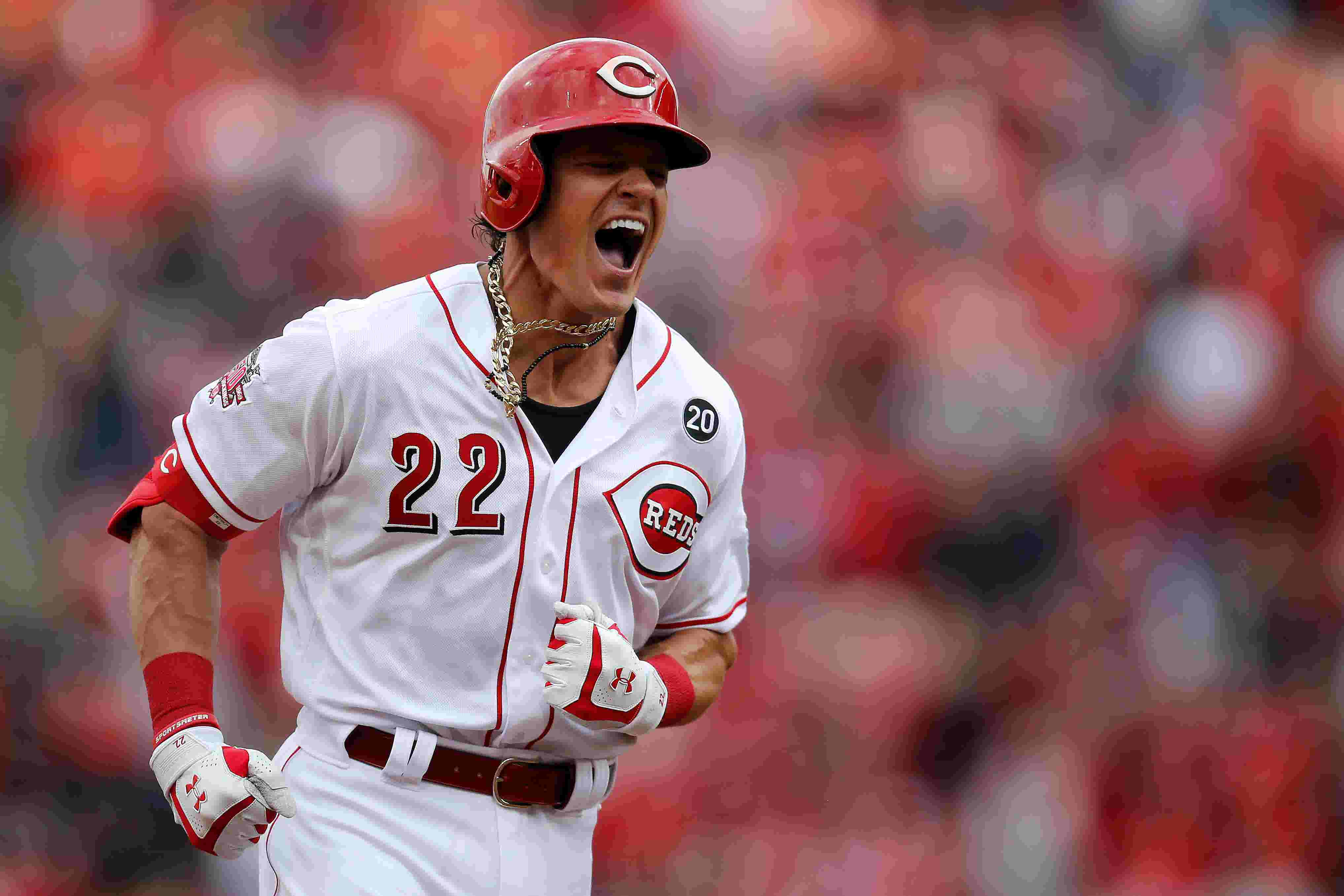 Cincinnati Reds manager David Bell's first game gives second-guessers plenty to talk about