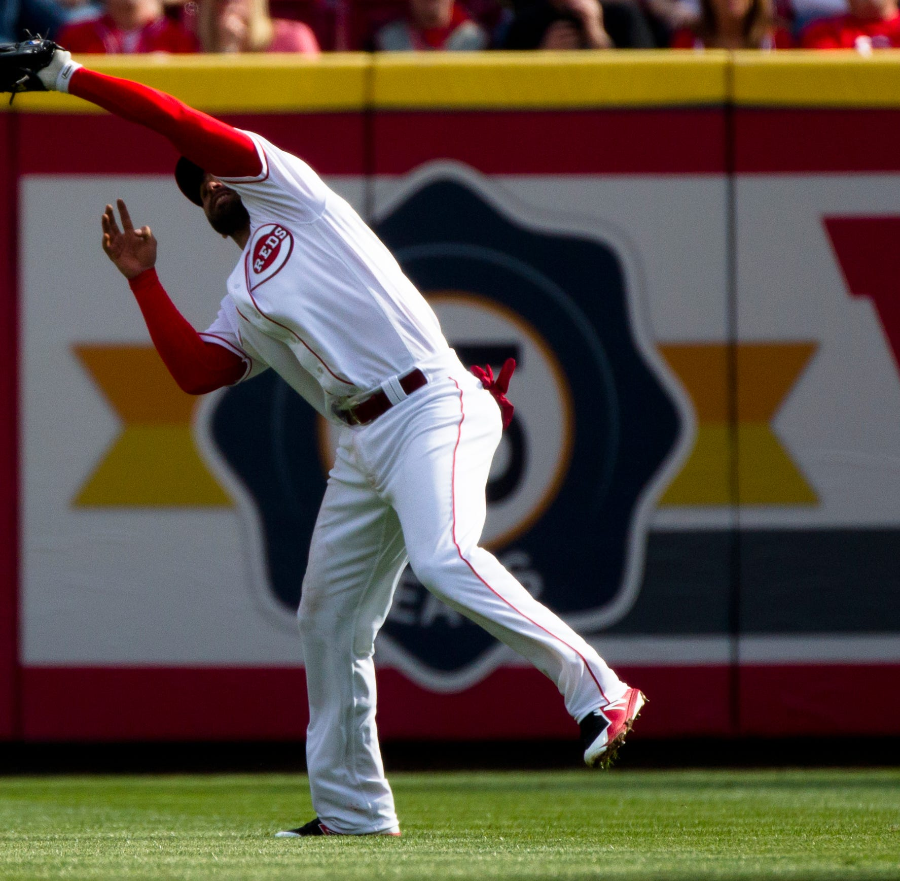 Cincinnati Reds blog: Is it time to consider playing José Peraza in center field?