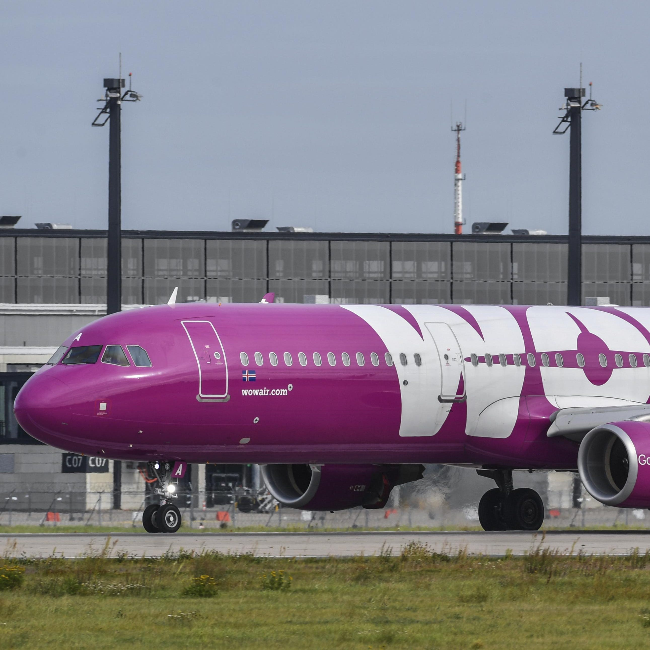 Icelandic airline WOW Air ceases operations; flights in Detroit grounded