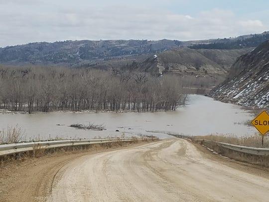 Massive' ice jam on Missouri floods James Kipp Recreation Area