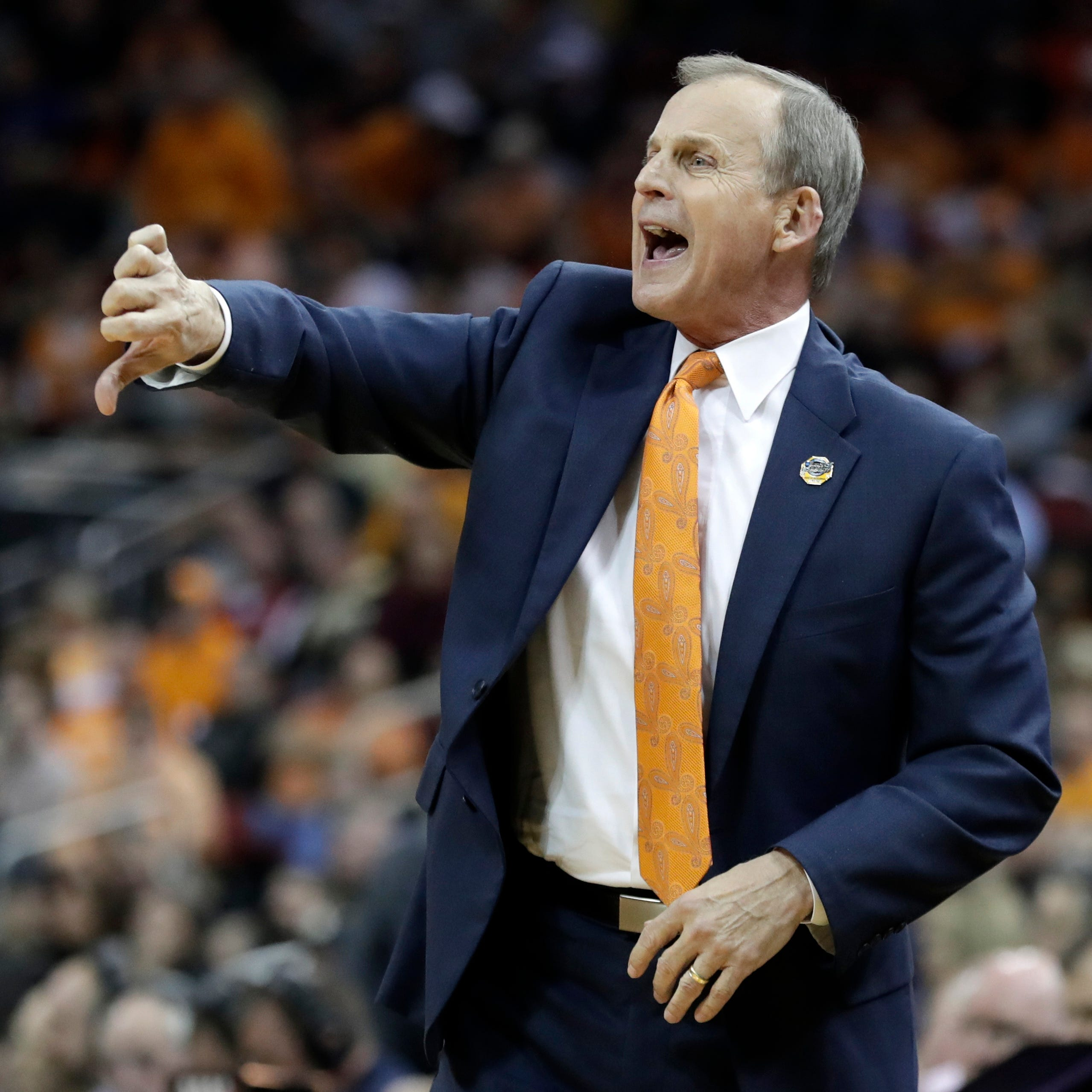 Report contradicts Rick Barnes on why Tennessee basketball coach didn't take UCLA job