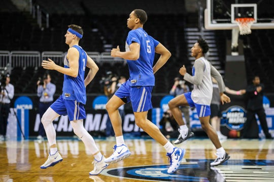 Kentucky's PJ Washington warms up with the team Thursday afternoon in Kansas City before the Friday game against Houston in the Sweet Sixteen. March 28, 2019