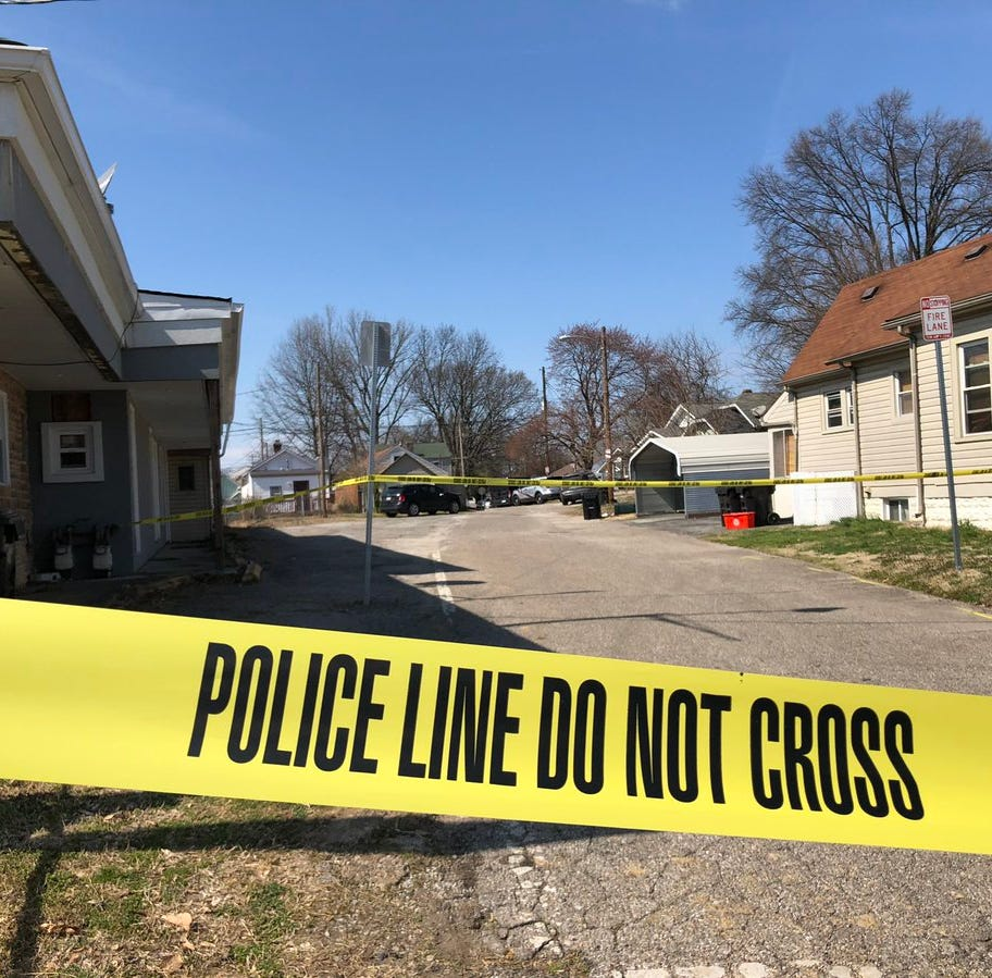 Louisville police in standoff with man in Taylor Berry neighborhood