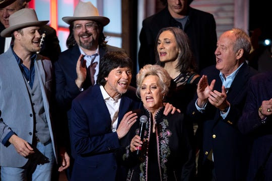 "Filmmaker Ken Burns and singer Connie Smith join others to sing ""Can the Circle Be Unbroken"" by the Carter Family during a concert celebrating Burns' ""Country Music"" documentary March 27, 2019, at the Ryman Auditorium in Nashville."