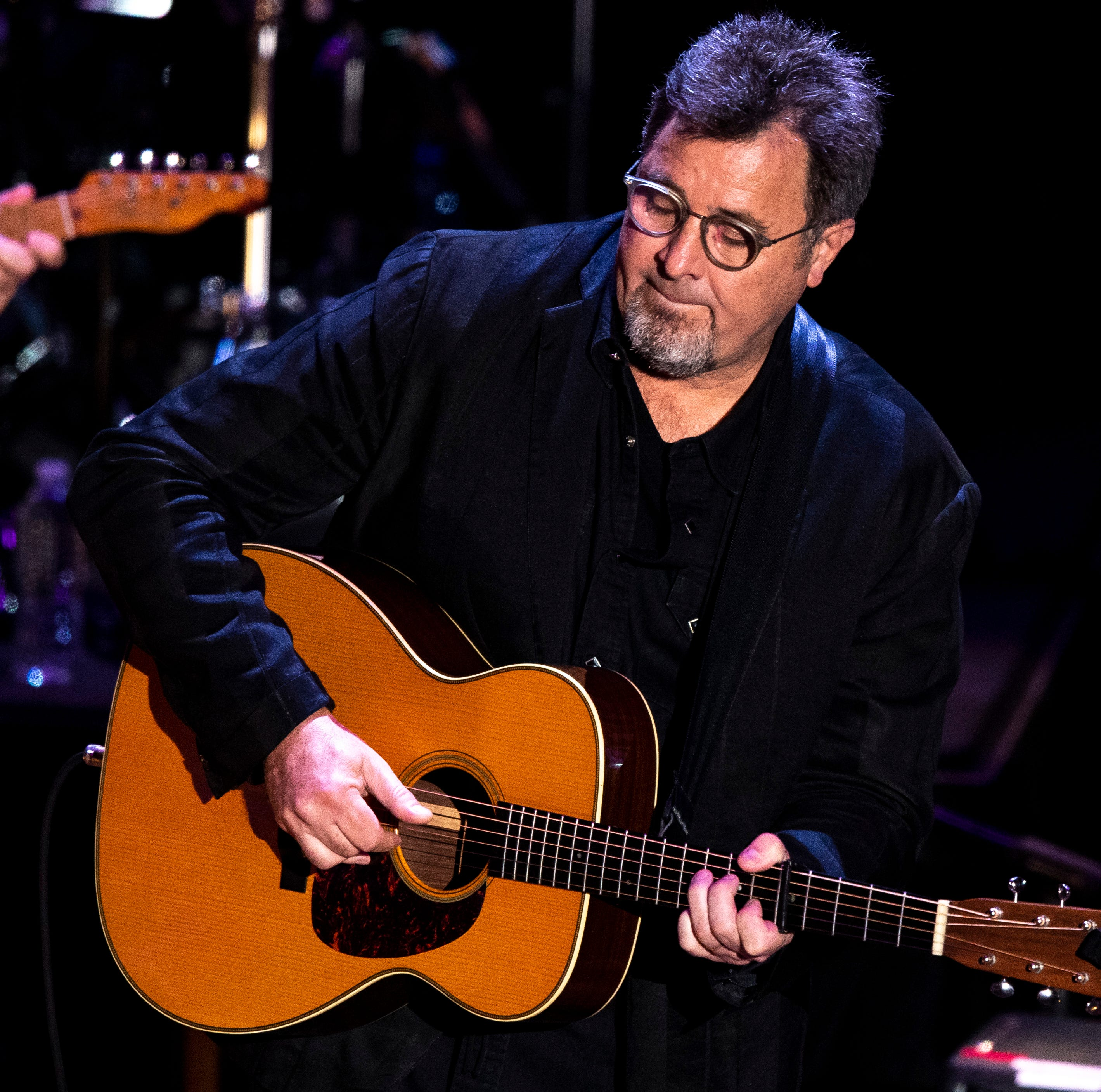 Vince Gill is coming to Knoxville in August. Here's when you need to get your tickets.
