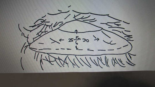 After encountering what he believed to be a UFO at Splitrock Reservoir in 1966, Jerry Simons drew this sketch of what he saw.