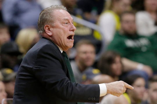 Michigan State coach Tom Izzo yells instructions during the first half of a second round men's college basketball game against Minnesota in the NCAA Tournament, in Des Moines, Iowa, Saturday, March 23, 2019. (AP Photo/Nati Harnik)