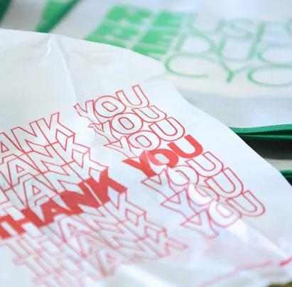 Paper or plastic? N.J.'s food industry says reusable