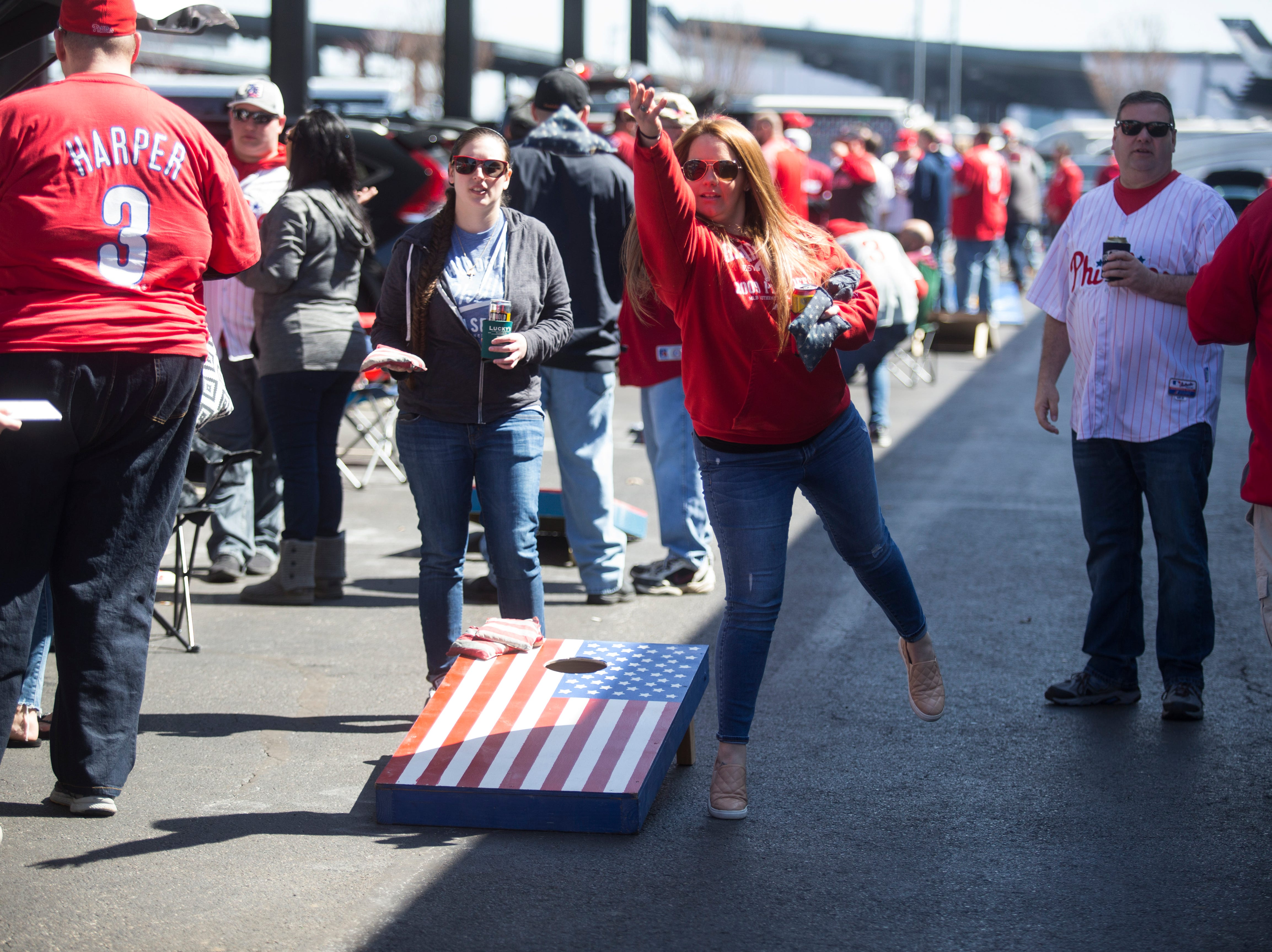 Phillies fans arrive early with high expectations of Harper and co.