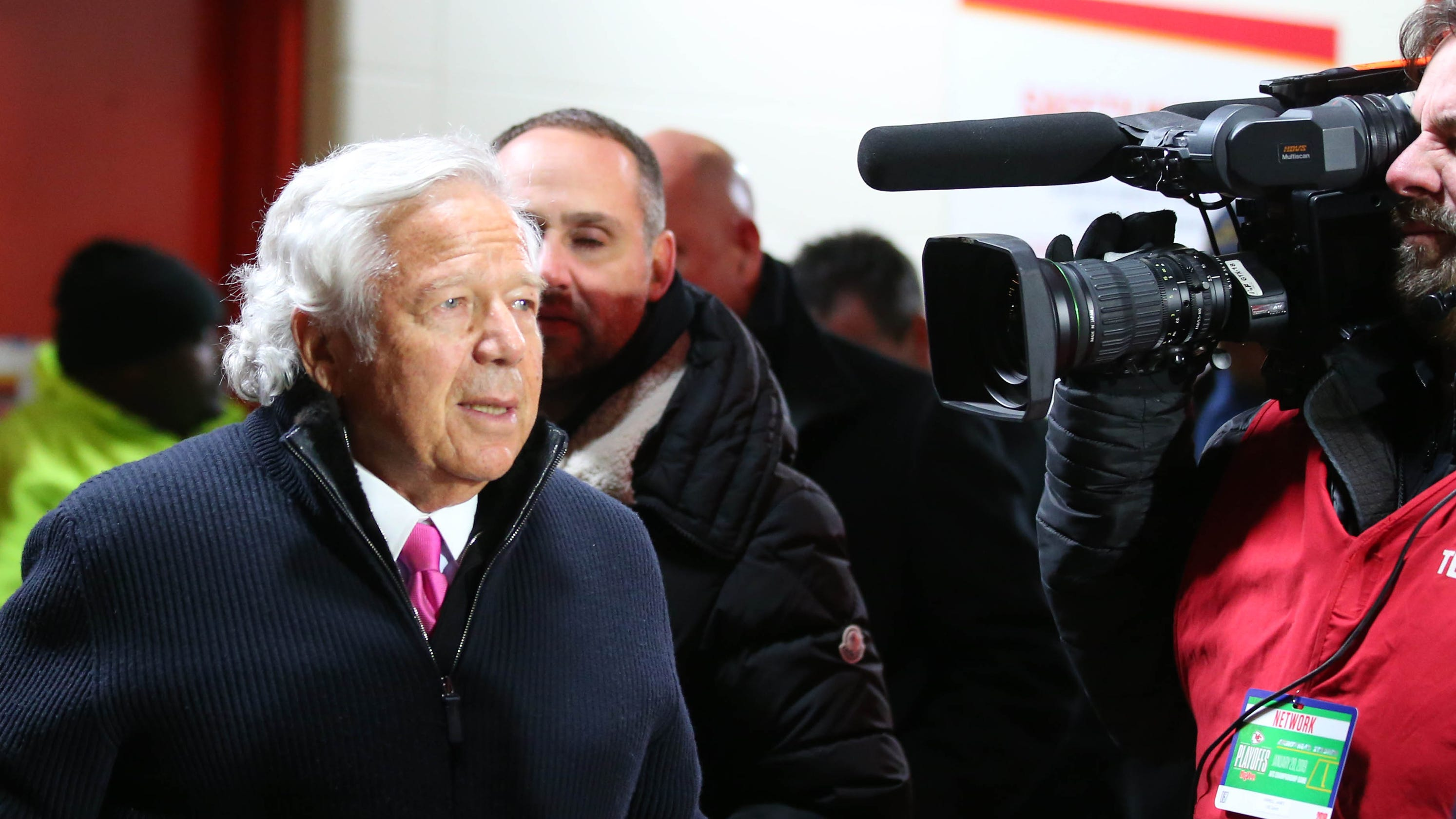 Robert Kraft: Defense claims search warrant illegally obtained