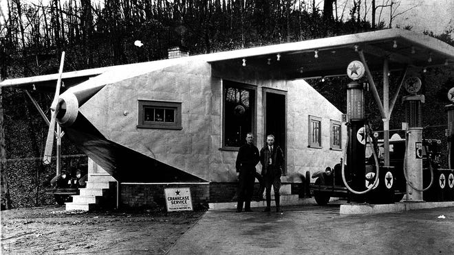 Around 1930, Elmer and Henry Nickle built the airplane as a novelty gasoline service station in Powell, Tennessee.