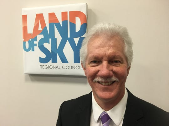"Bill Eaker, Land of Sky Clean Vehicles Coalition coordinator, spoke about efforts to reduce motor vehicle emissions in WNC at the annual ""State of our Air"" press conference March 29, 2019 at Land of Sky Regional Council in Asheville."