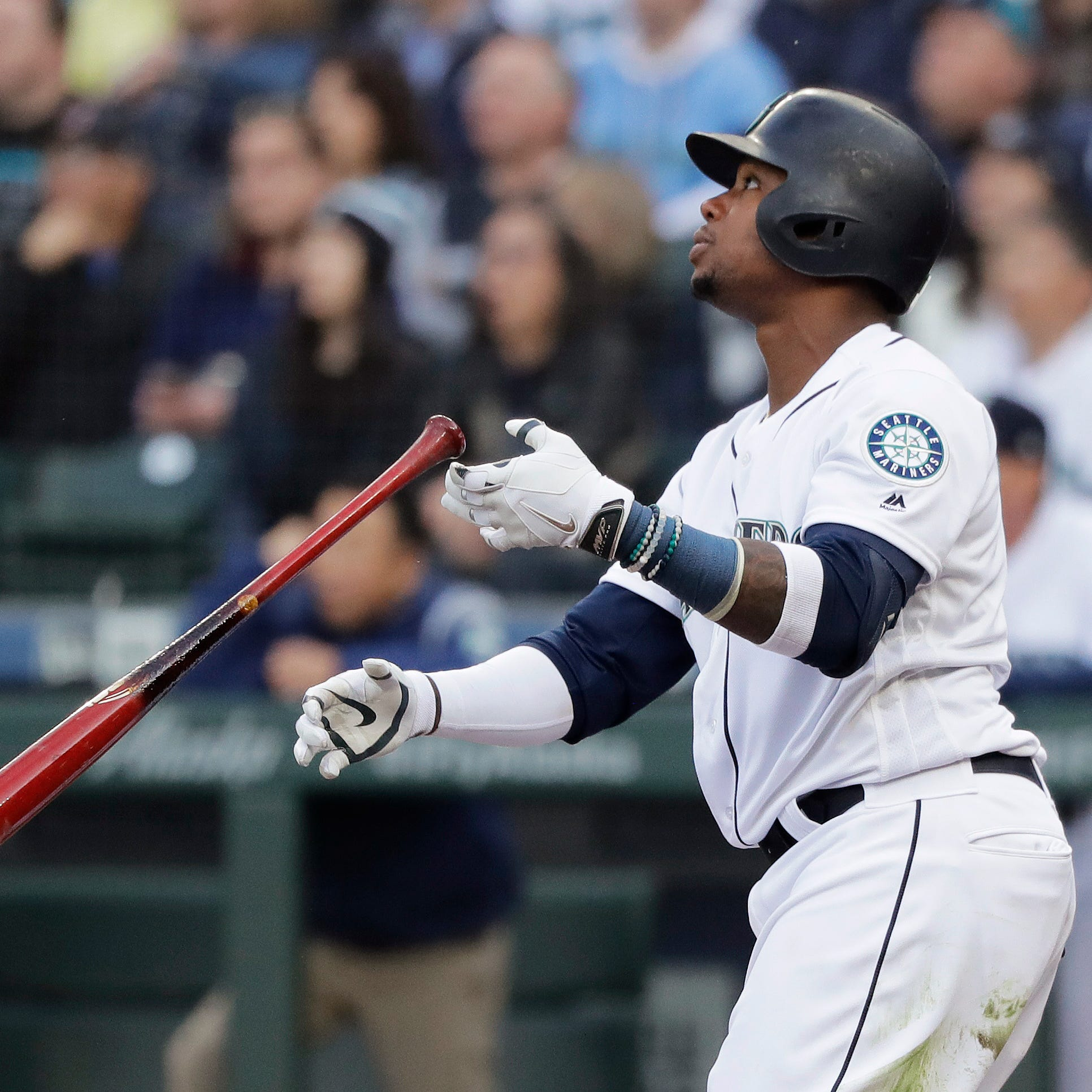 Mariners blast Red Sox to win home opener